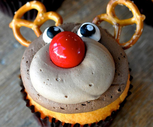 christmas, cupcake, and reindeer image