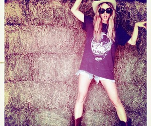 girl, gillian zinser, and 90210 image