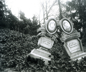 b&w, grave, and black and white image