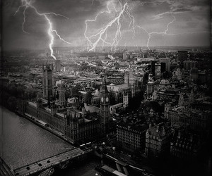 b&w, london, and black and white image