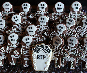 Halloween, candy, and Cookies image