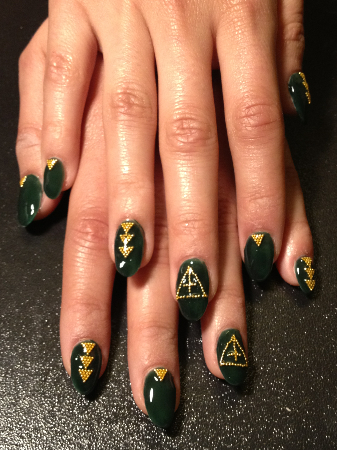 Nail Art by Jessica Tong (Dark Green for holiday)