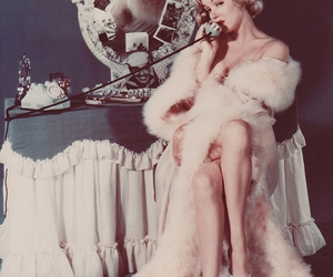 marylin monroe, telephone, and vintage image