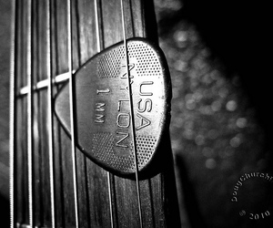 acoustic guitar, bw, and close up image