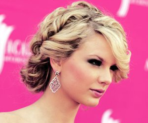 Taylor Swift, hair, and hairstyle image