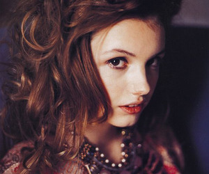 hannah murray, skins, and cassie image
