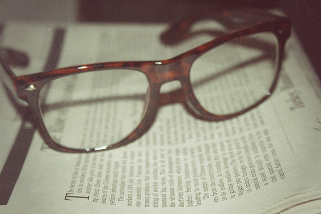 glasses and read image