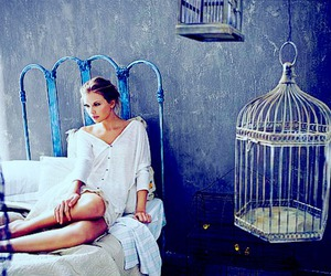 photography and Taylor Swift image