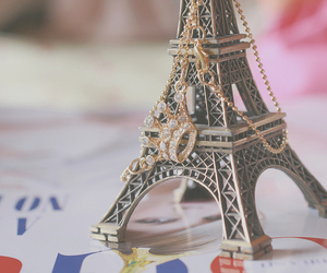 amelie poulain, colar, and eiffel tower image