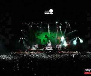 green day and green day argentina image