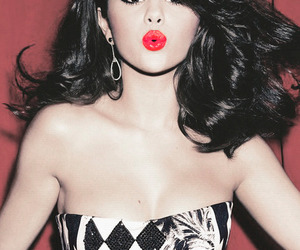 beautiful, kissy, and red lips image