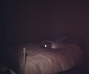 apple, mac, and bed image
