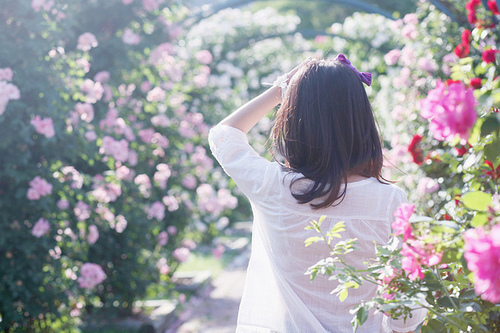 girl and flowers image
