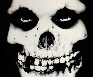 misfits and skull image