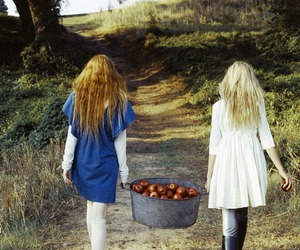 girls and apples image
