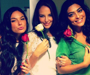 isis valverde and friends image