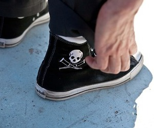 converse, jackass, and Johnny Knoxville image