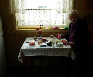 mormor and frokost image