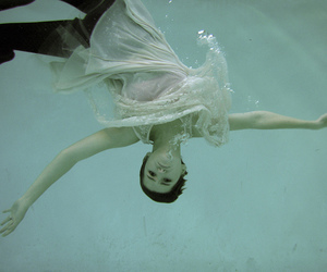 blue, underwater, and dresses image