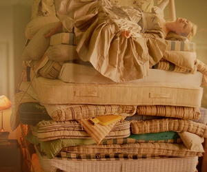 tim walker and the princess and the pea image