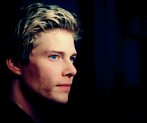 guy, Hot, and Hunter Parrish image