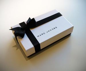 marc jacobs, box, and luxury image