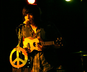 peace, christofer drew, and nevershoutnever image