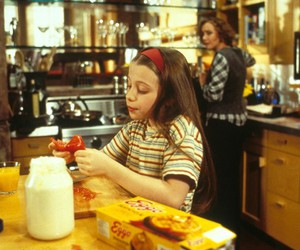 gh, michelle trachtenberg, and Harriet the spy image