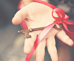 hand, key, and red image