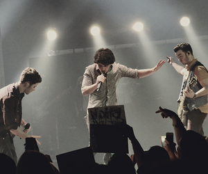jonas brothers, concert, and fans image