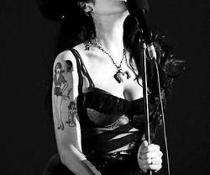 Amy Winehouse and black and white image