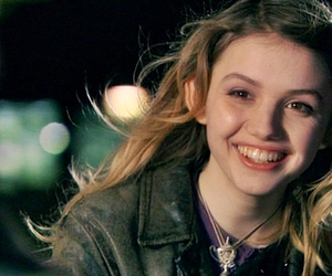 cassie, lovely, and hannah murray image