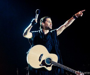 30 seconds to mars, festival, and guitar image