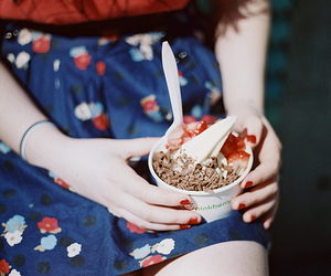 girl, ice cream, and vintage image