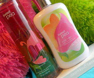 photography, sweat pea, and bath and body works image