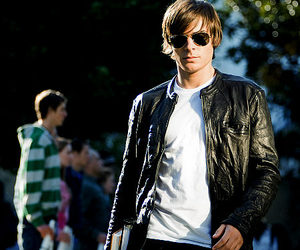 17 again and zac efron image