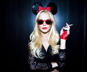 lindsay lohan, blonde, and minnie image