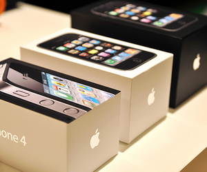 iphone, apple, and iphone 4 image