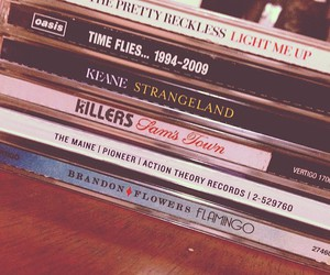 bands, oasis, and brandon flowers image