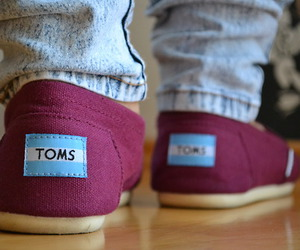 outfit, shoes, and toms image