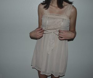 collar bones, girl, and clavicles image