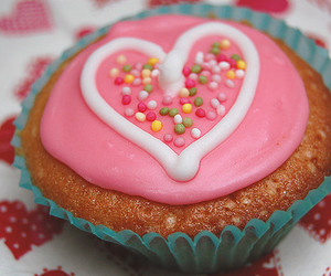 cupcake and heart image