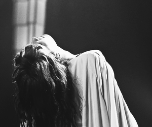 florence and the machine, florence welch, and girl image