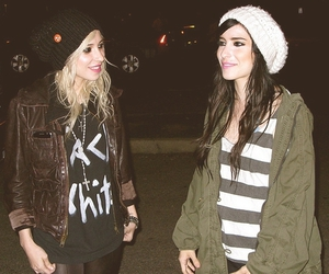 the veronicas image