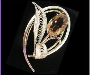 vintage jewelry, rhinestone brooch, and bridal brooch image