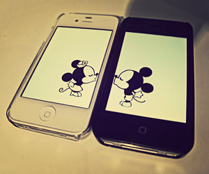 iphone, kiss, and mickey image
