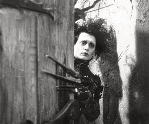 johnny depp, edward scissorhands, and black and white image