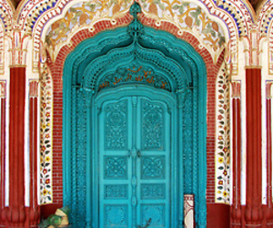 door and india image