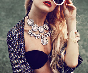 statement necklace image
