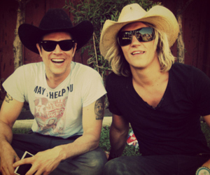 Johnny Knoxville and jukka hilden image